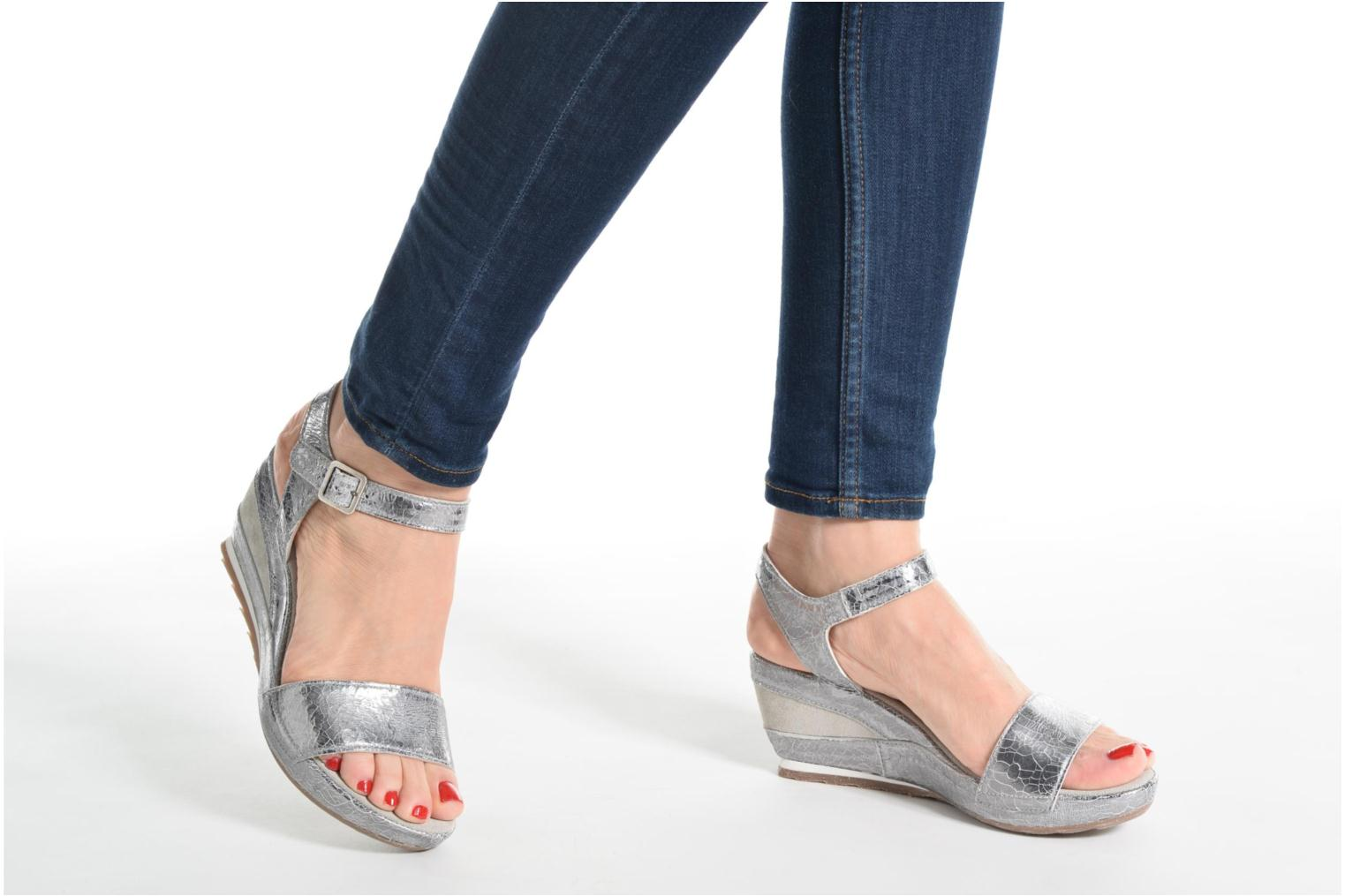 Sandals Khrio Tahia Silver view from underneath / model view