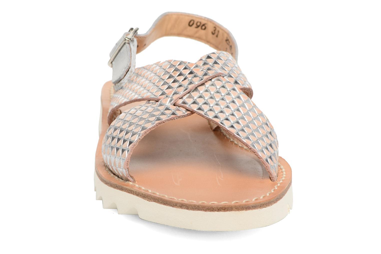 Sandales et nu-pieds Pom d Api Ripple Cross Buckle Argent vue portées chaussures