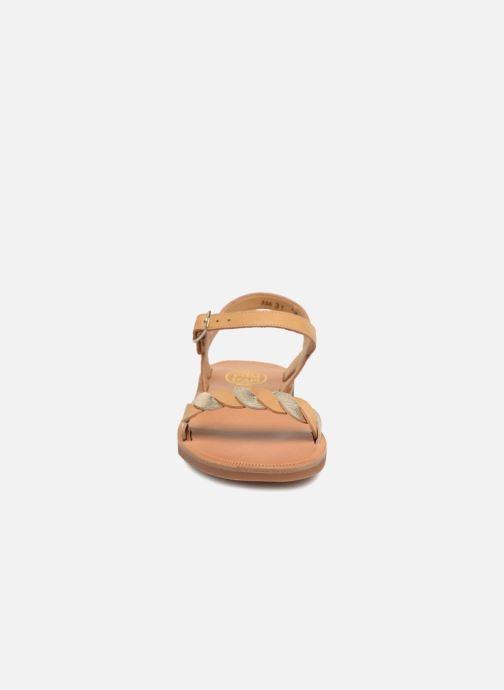 Sandales et nu-pieds Pom d Api Plagette Twist Marron vue portées chaussures