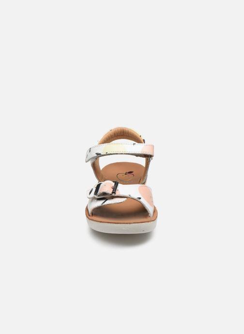 Sandali e scarpe aperte Shoo Pom Goa Sandal Girl Bianco modello indossato