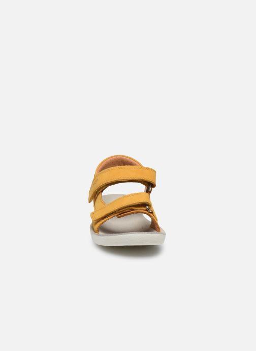 Sandali e scarpe aperte Shoo Pom Goa Boy Scratch Giallo modello indossato