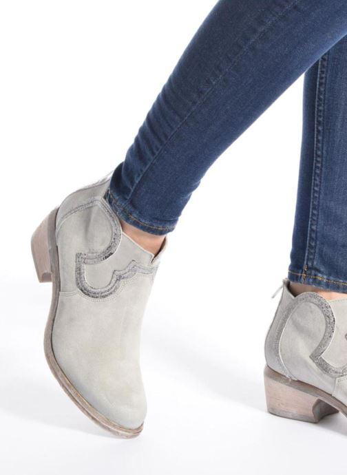 Bottines et boots Khrio Giorgia Beige vue bas / vue portée sac