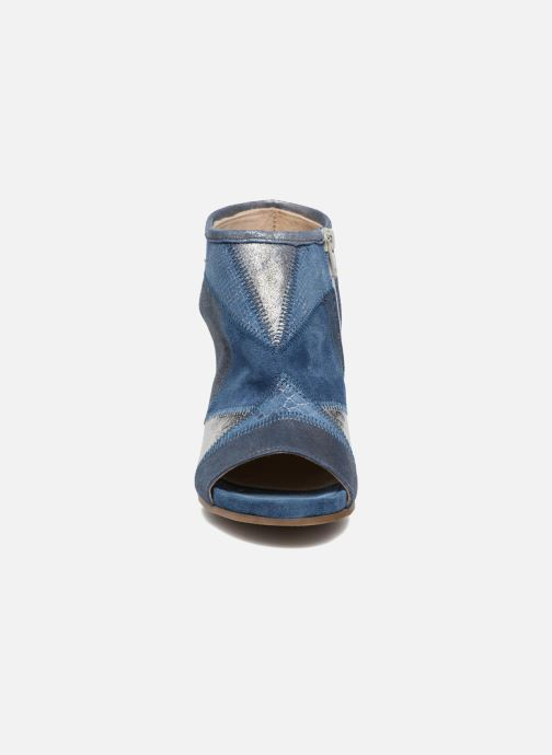 Sandales et nu-pieds Khrio Aurea Bleu vue portées chaussures