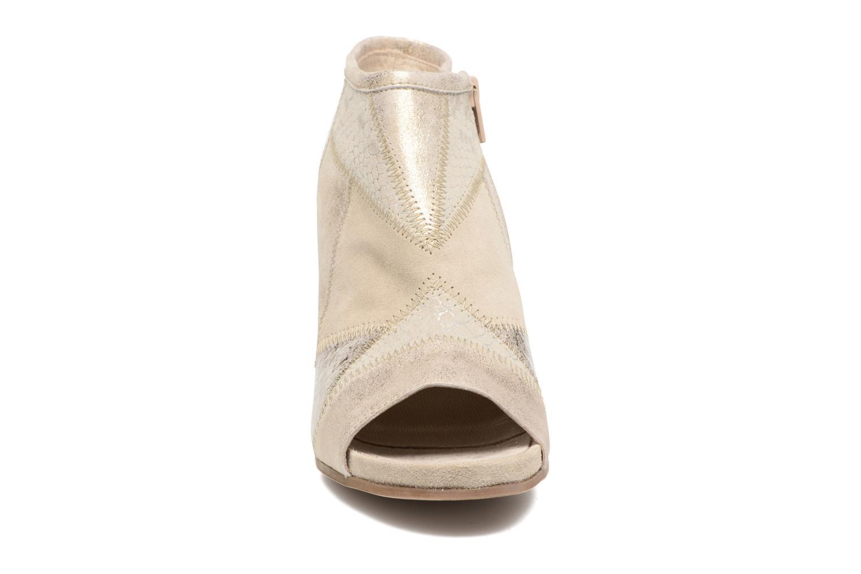 Sandales et nu-pieds Khrio Aurea Beige vue portées chaussures