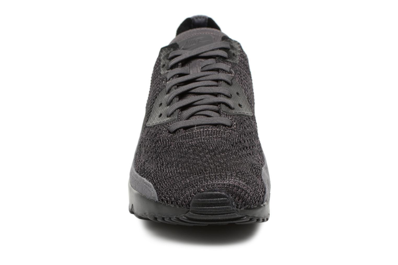 Sneaker Nike Air Max 90 Ultra 2.0 Flyknit grau schuhe getragen