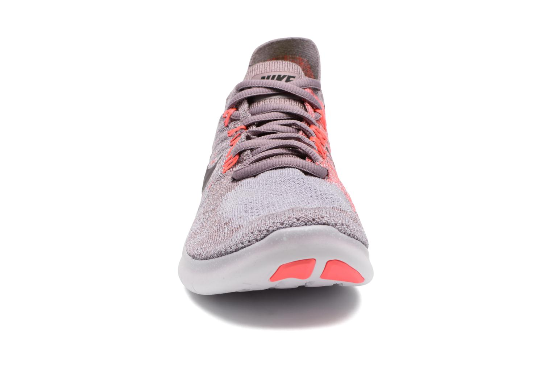 Chaussures de sport Nike Wmns Nike free Rn Flyknit 2017 Violet vue portées chaussures