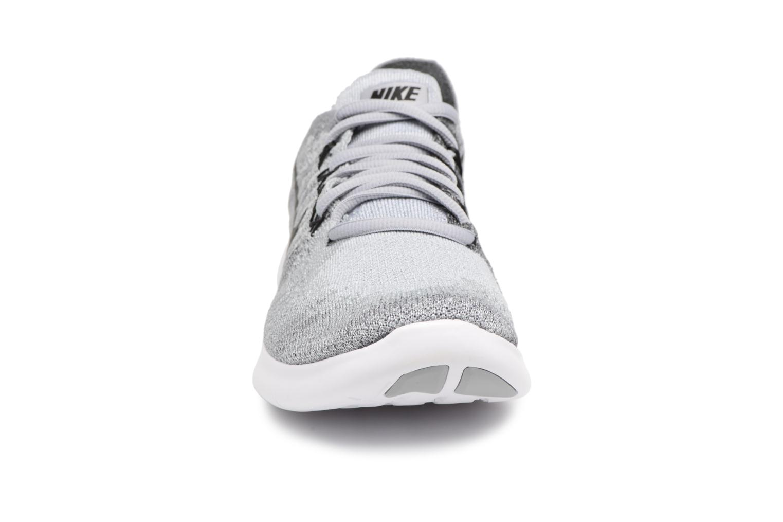 Scarpe sportive Nike Wmns Nike free Rn Flyknit 2017 Grigio modello indossato