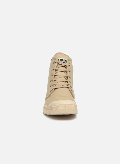 Sneakers Palladium Pampa Hi Orig U Bianco modello indossato