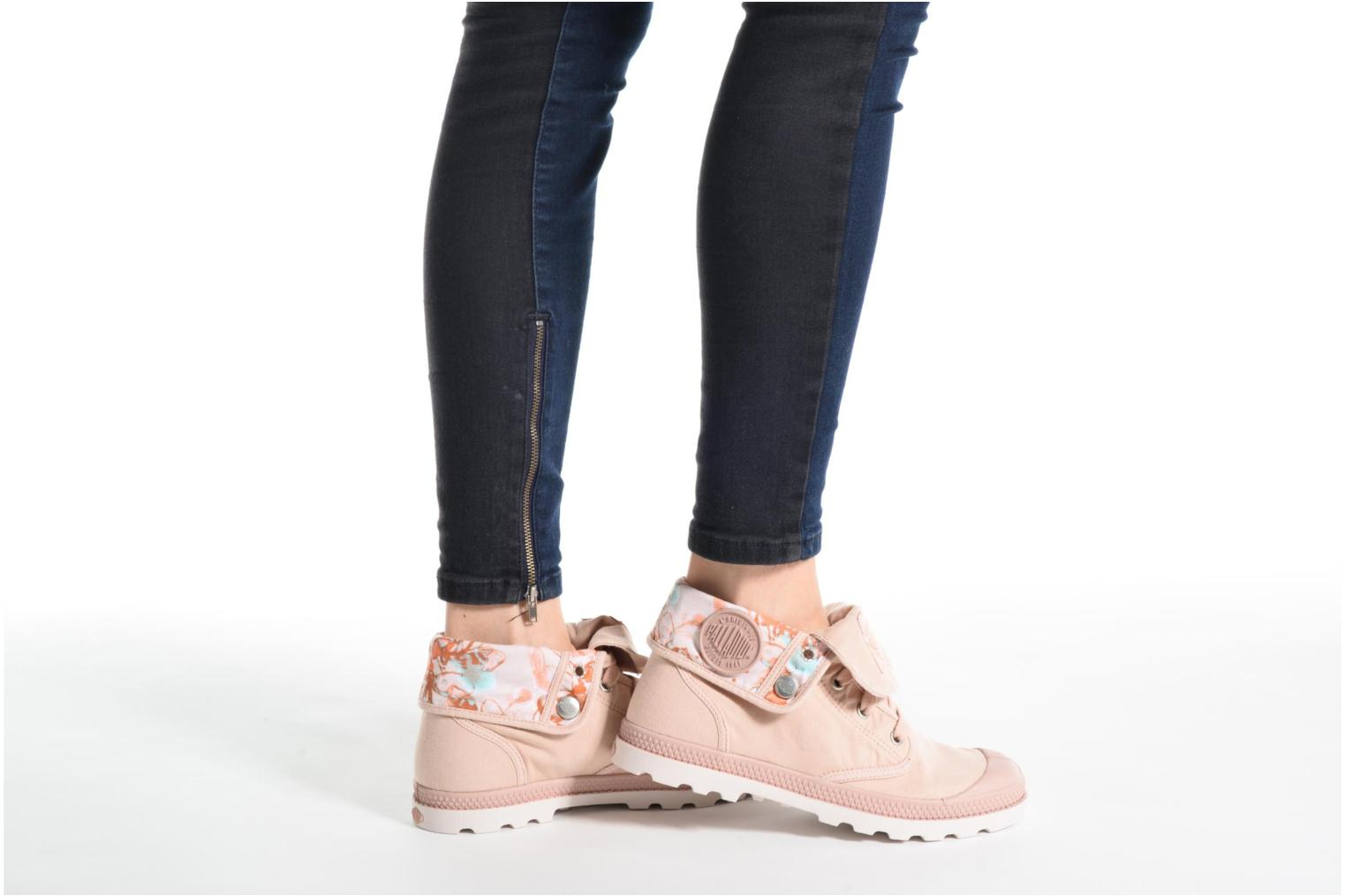 Trainers Palladium Baggy Lp Tw P F Pink view from underneath / model view