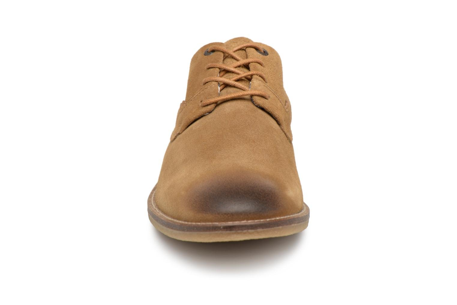 Veterschoenen Kickers Bachalcis Beige model