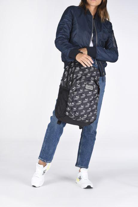 Mochilas Puma Academy Backpack Negro vista de abajo