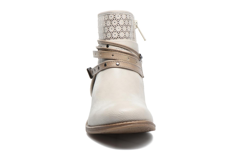 Bottines et boots Mustang shoes Calliope Beige vue portées chaussures