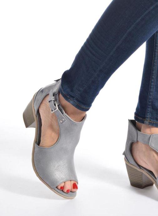 Bottines et boots Mustang shoes Theda Gris vue bas / vue portée sac