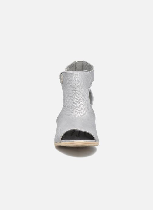 Bottines et boots Mustang shoes Theda Gris vue portées chaussures