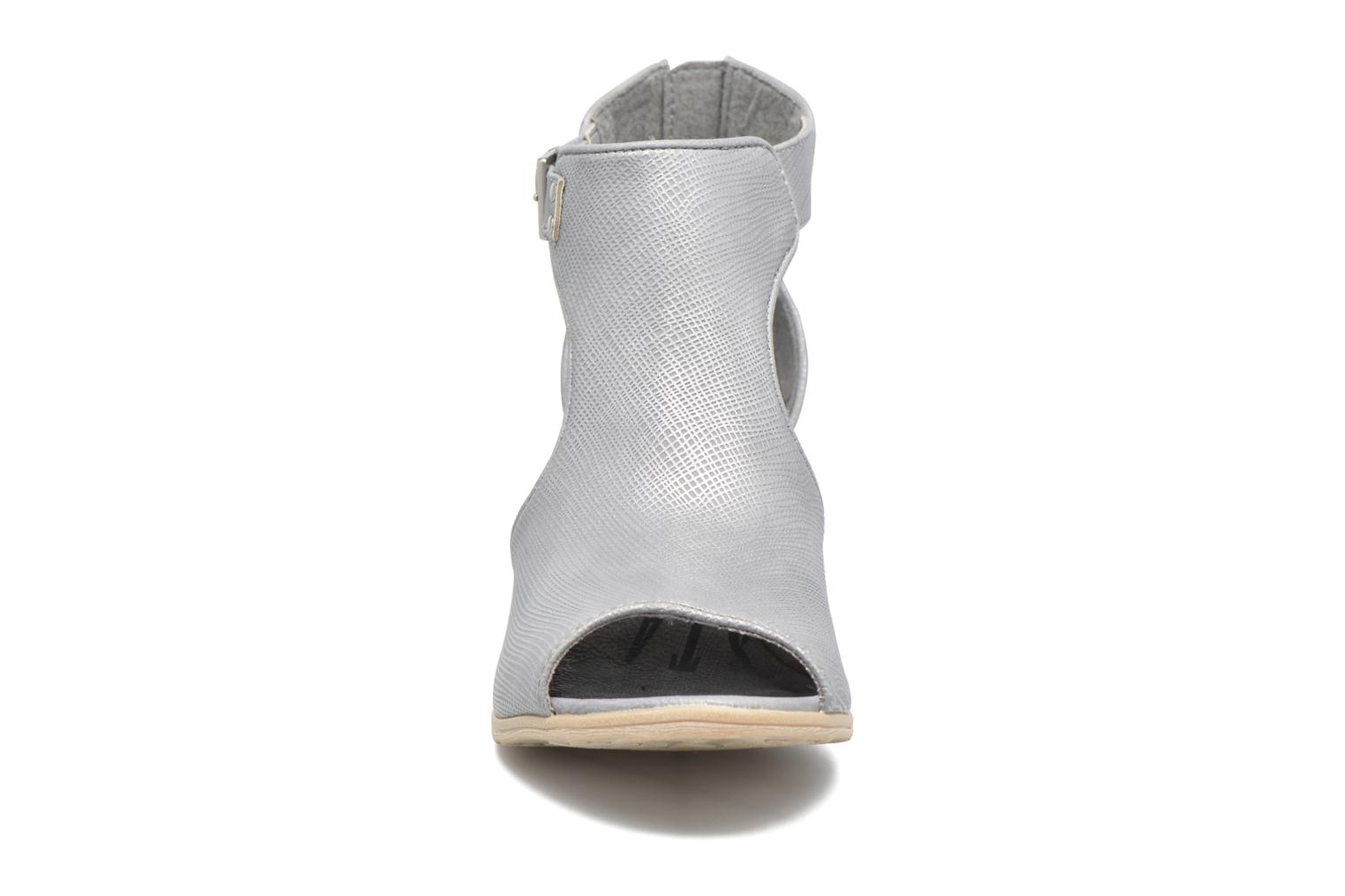 Ankle boots Mustang shoes Theda Grey model view