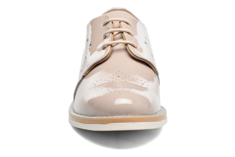 Chaussures à lacets Georgia Rose Maglit Beige vue portées chaussures