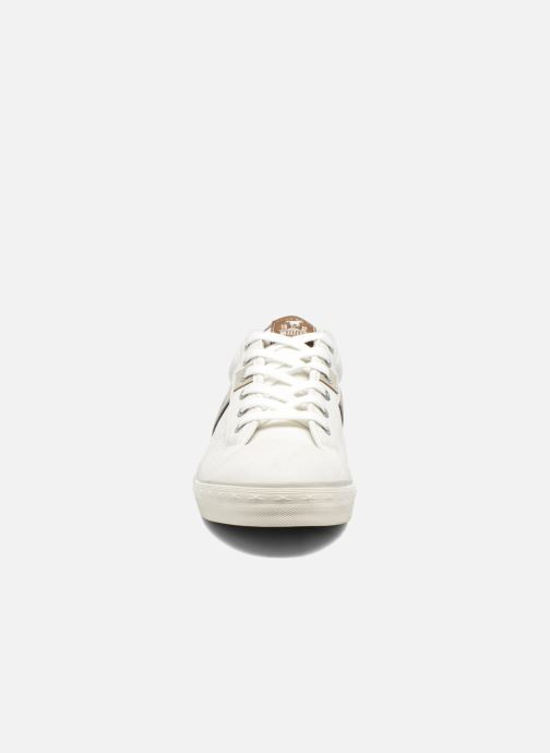 Baskets Mustang shoes Ralf Blanc vue portées chaussures
