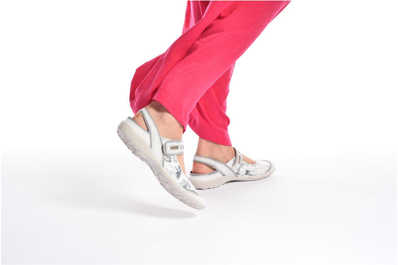 Ballerinas Remonte Lau R1741 weiß ansicht von unten / tasche getragen