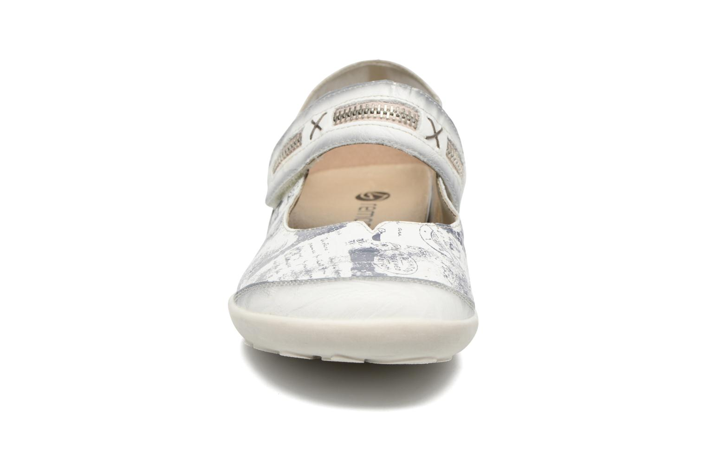 Ballerines Remonte Lau R1741 Blanc vue portées chaussures