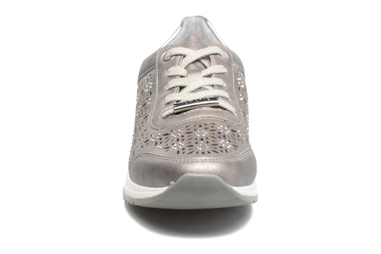 Baskets Remonte Suka R7004 Argent vue portées chaussures