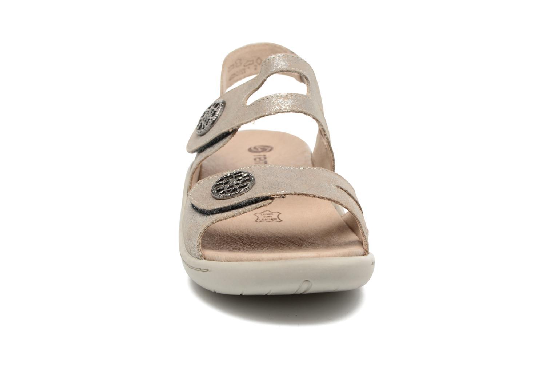 Sandales et nu-pieds Remonte Dalei R8570 Argent vue portées chaussures