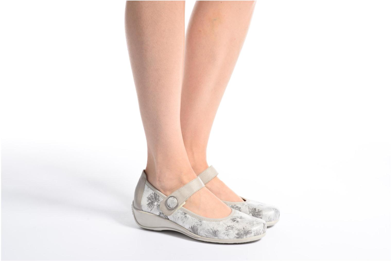 Ballet pumps Remonte Blomi R9840 Silver view from underneath / model view