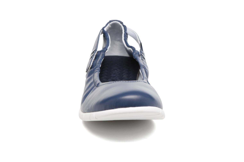 Ballerines Kickers Belina Bleu vue portées chaussures