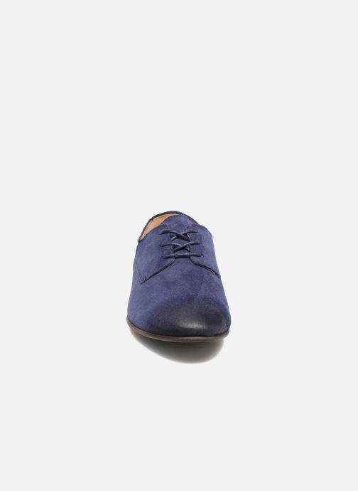 Zapatos con cordones Kickers Galla Azul vista del modelo
