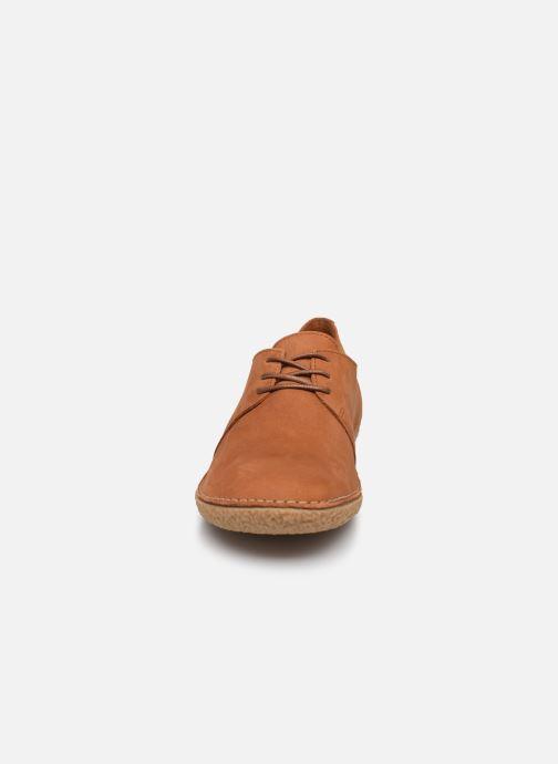 Zapatos con cordones Kickers Holster Marrón vista del modelo
