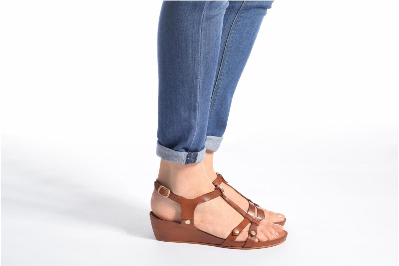 Sandales et nu-pieds Kickers Takit Marron vue bas / vue portée sac