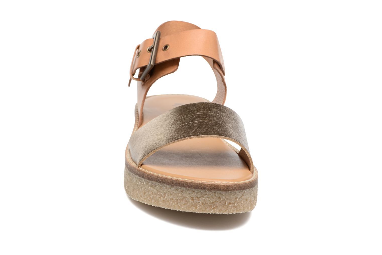 Sandales et nu-pieds Kickers Victory Or et bronze vue portées chaussures