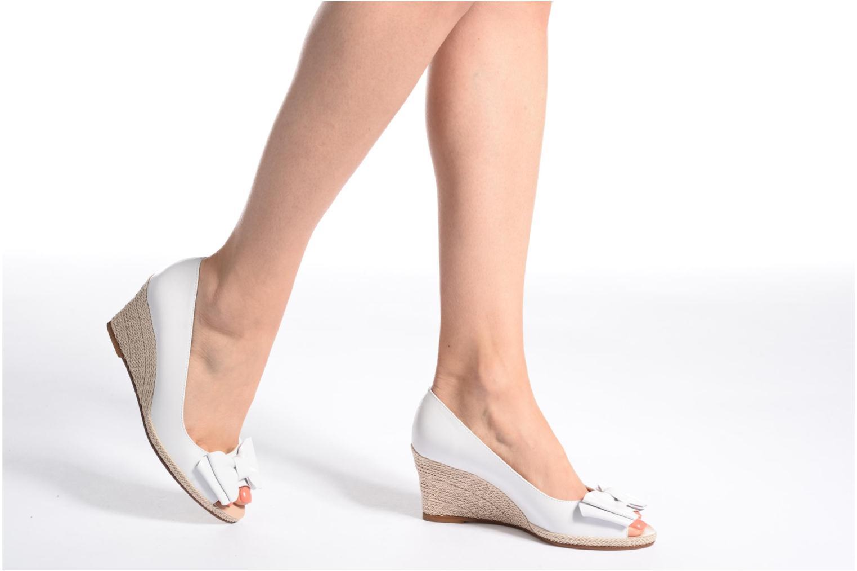 High heels COSMOPARIS Loena White view from underneath / model view