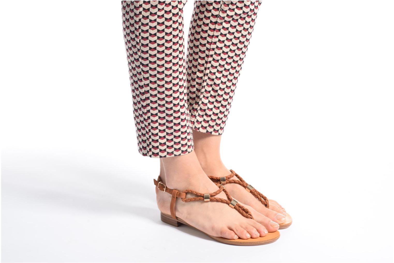 Sandales et nu-pieds COSMOPARIS Heloa/Tre Marron vue bas / vue portée sac