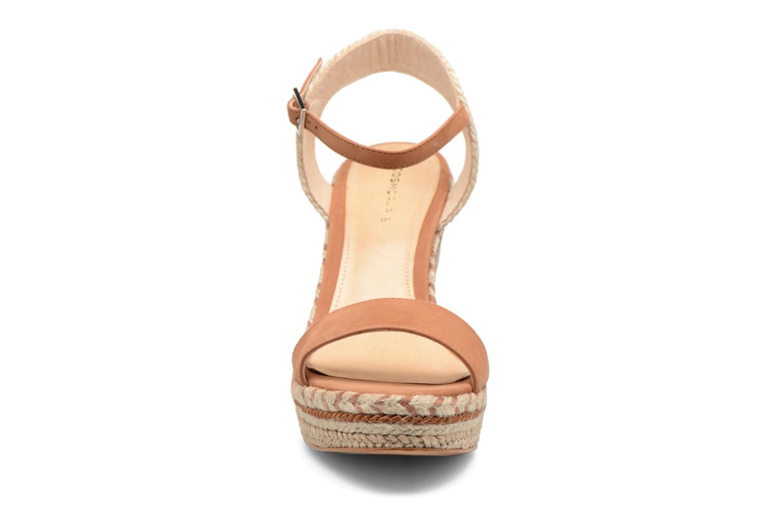 Sandals COSMOPARIS Agaya Brown model view