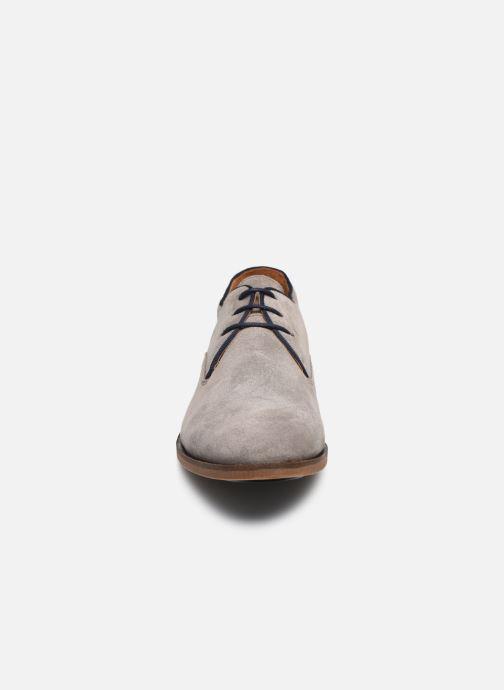 Scarpe con lacci Kost Blaisan Grigio modello indossato