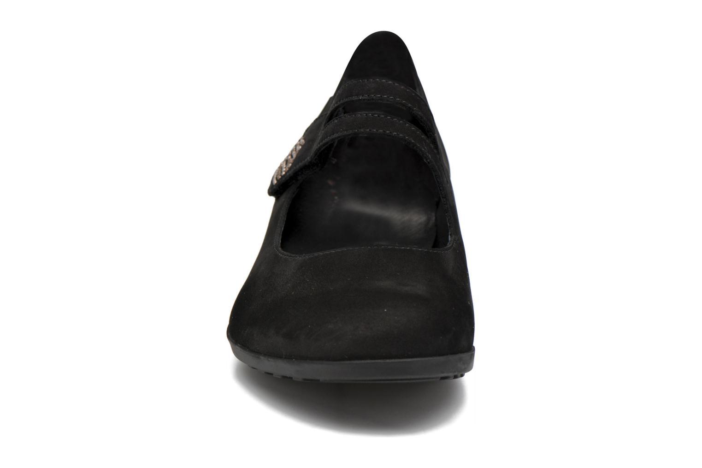 Ballerines Mephisto Dora Noir vue portées chaussures