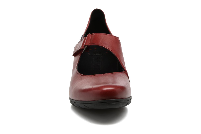 Escarpins Mephisto Ielena Rouge vue portées chaussures