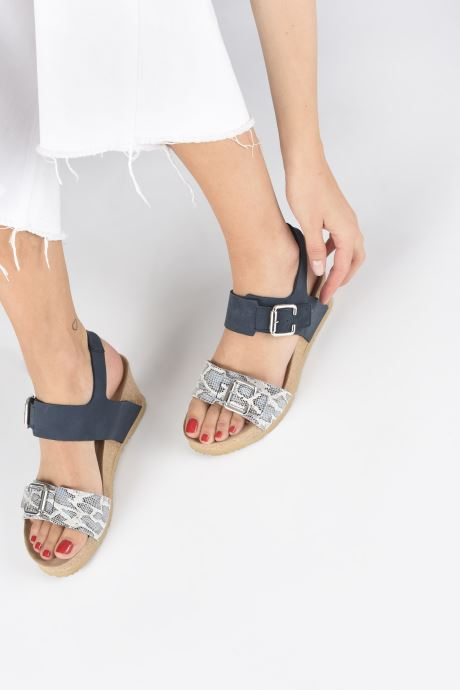 Sandales et nu-pieds Mephisto Lissandra Bleu vue bas / vue portée sac