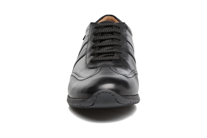 Baskets Mephisto Perez Noir vue portées chaussures