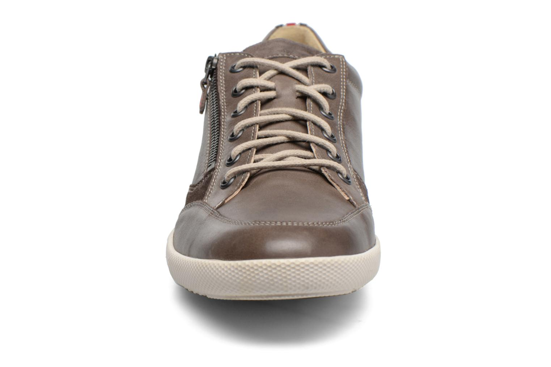 Baskets Mephisto Uggo Gris vue portées chaussures