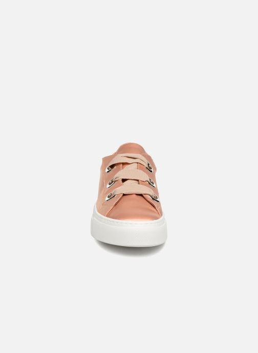 Baskets Bronx Byardenx Beige vue portées chaussures