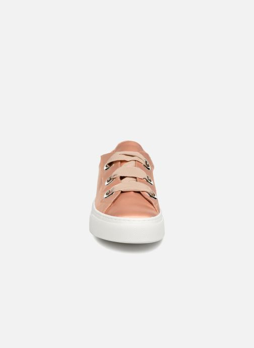 Trainers Bronx Byardenx Beige model view