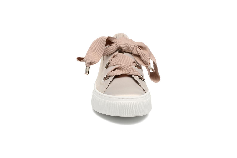 Sneakers Bronx Byardenx Beige se skoene på