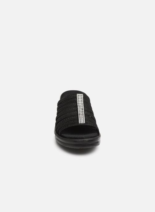 Mules et sabots Skechers Rumblers Hotshot Noir vue portées chaussures