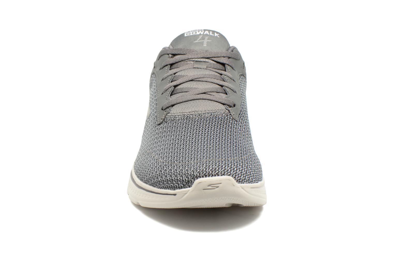 Zapatillas de deporte Skechers Go Walk 4 H Gris vista del modelo