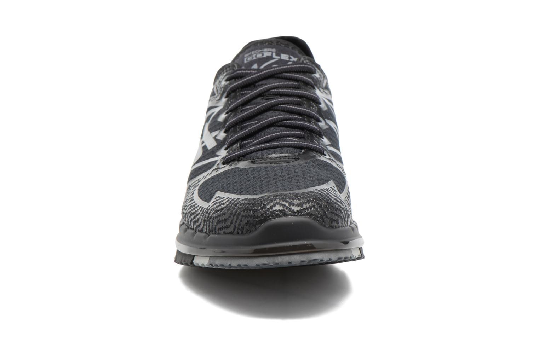 Sportschuhe Skechers GO Flex Momentum schwarz schuhe getragen