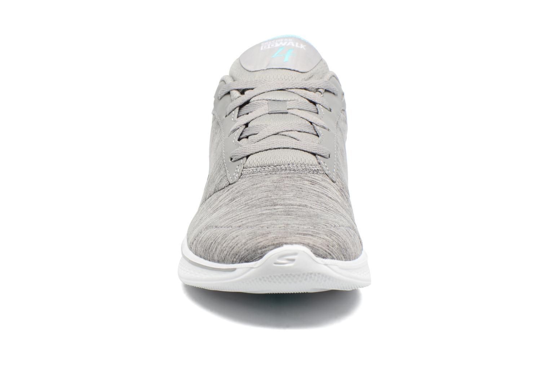 Baskets Skechers GO Walk 4 serenity Gris vue portées chaussures