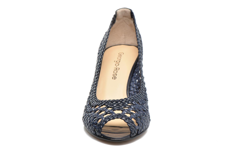 Zapatos de tacón Georgia Rose Tressa Azul vista del modelo