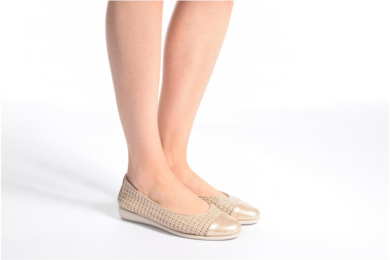 Ballet pumps The Flexx Rise a Smile Beige view from underneath / model view