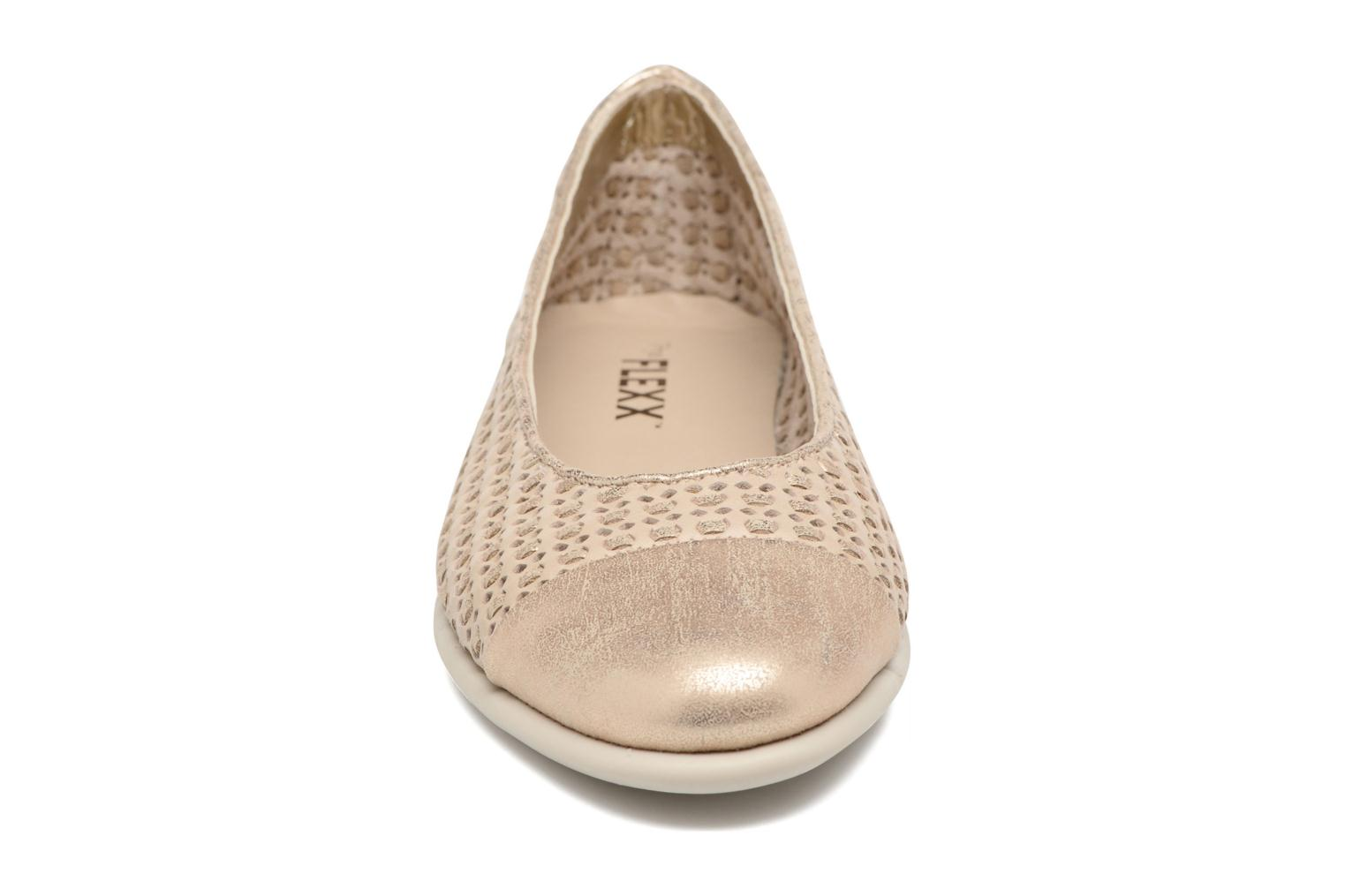 Bailarinas The Flexx Rise a Smile Beige vista del modelo